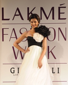 Deepika Padukone at Lakme Fashion Week 2010