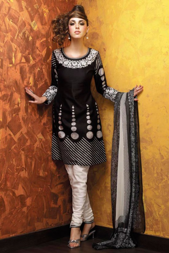 Black Embroidered Churidar Kameez