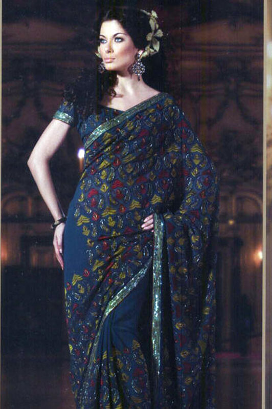 Discount on Sarees with matching blouse piece