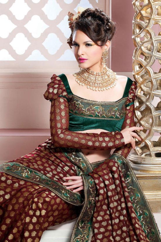 Brown Saree with stunning Saree Blouse Designs