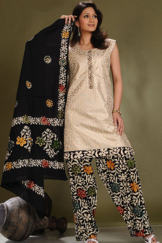 Ready Made Sleeveless Salwar Kameez Design 2010