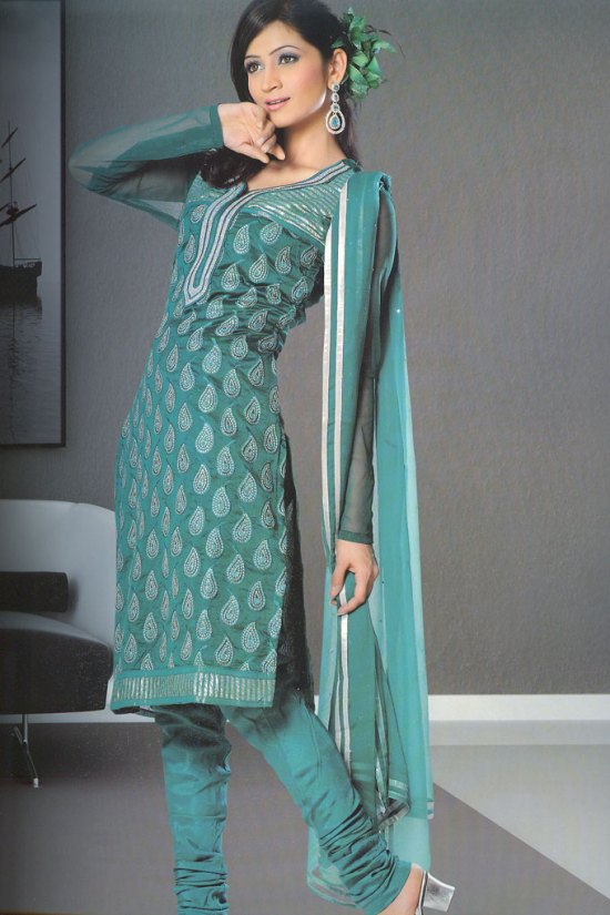 Long Sleeves Chududar Shalwar Kameez in Teal Color