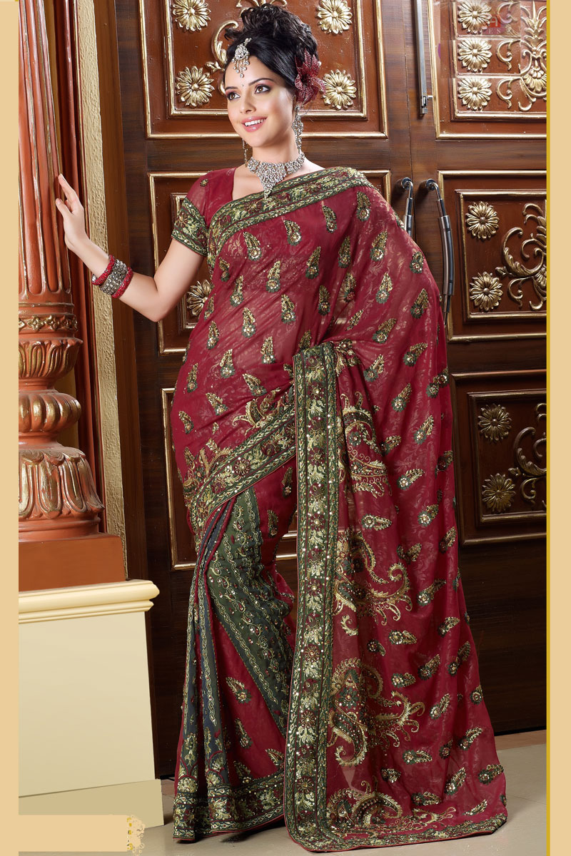 Traditional Saree With Free Saree Blouse Designs Designer Indian Outfits Traditional Indian