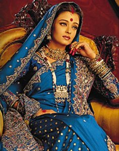 aishwarya rai in blue banarasi saree in devdas