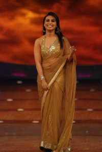 rani mukherjee in gold-saree