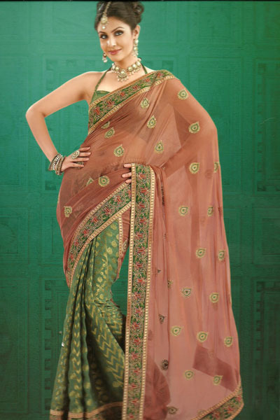 Latest Collection Traditional Saree With Matching Saree Blouse