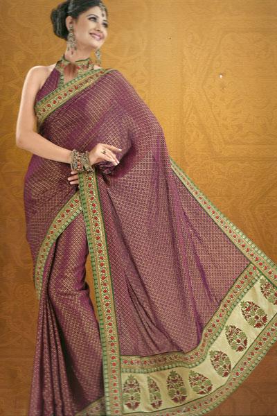 Traditional Saree With Matching Saree Blouse