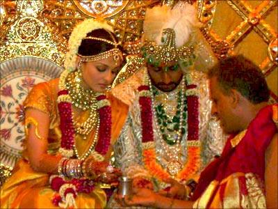 aishwarya rai in kanjeevaram saree
