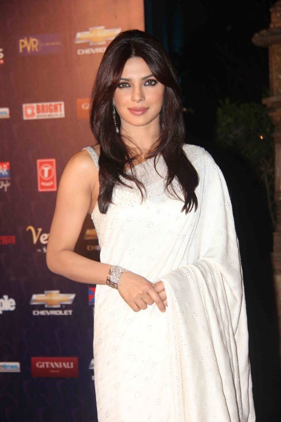 Bollywood Stars at Apsara Awards 2012 Photos 1527