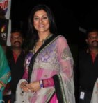 shushmita-sen-in-pink-tissue-saree