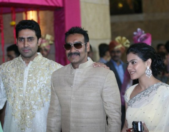 abhishek bachaan ajay devgan with wife kajol at genelia ritesh wedding