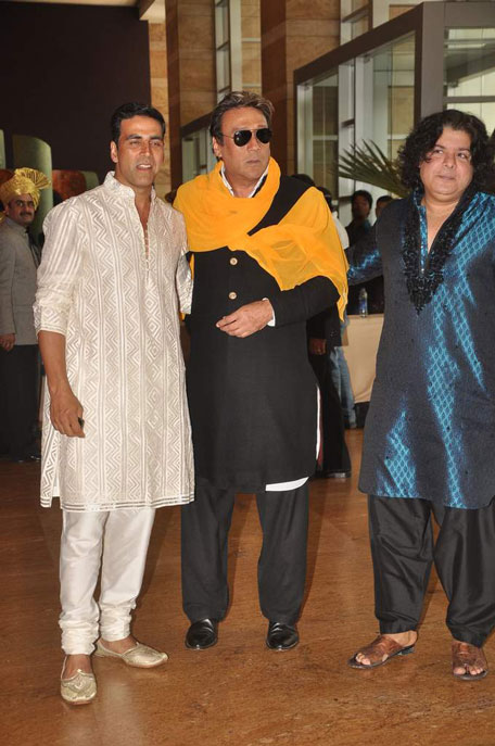 akshay kumar jackie shroff and sajid khan at ritesh genelia wedding party