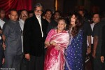 amitabh bachaan with wife jaya bachaan and daughter in law aishwarya rai bachaan at ritesh genelia reception party