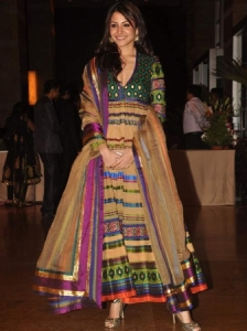 anushka sharma in an anarkali shalwar kameez at ritesh genelia reception party