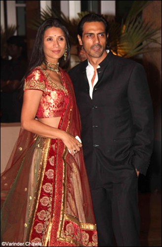 Arjun Rampal With Wife At Ritesh Genelia Wedding Reception Party