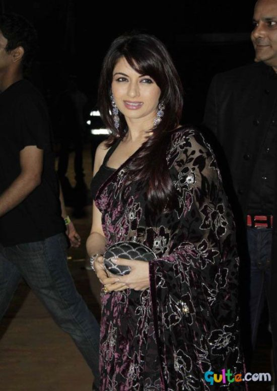 bhagyashree in a black saree at stardust awards 2012