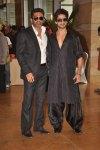 sunil shetty and shahid kapoor at ritesh genelia wedding