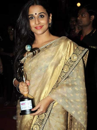 vidya balan in a sabyasachi saree at gr8 womens achievers awards 2012