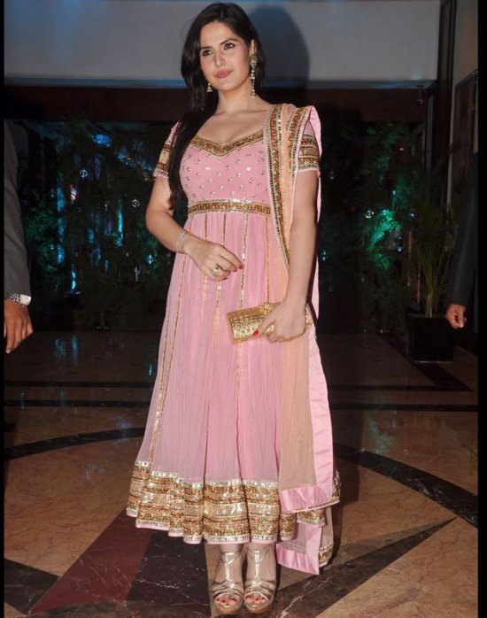 zarine khan in a pink anarkali salwar kameez at ritesh and genelia sangeet ceremony