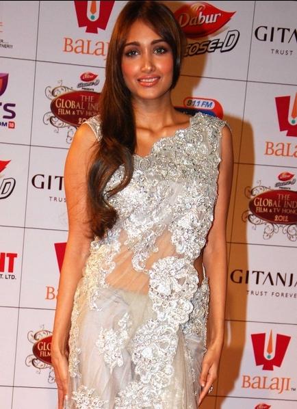 Jiah Khan in a bollywood award show