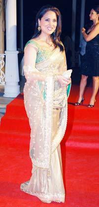 Lara Dutta in a Designer Net Saree