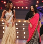 Priyanka Chopra Vidya Balan in a bollywood award show