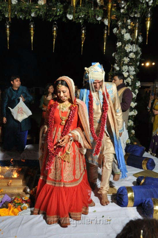 reema sen in a red lehenga choli in her wedding day