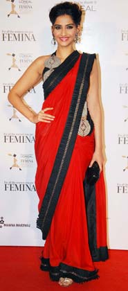Sonam Kapoor in a Red Saree with Black Border at Femina Womens Awards 2012