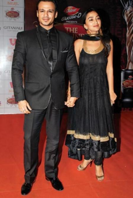 Vivek Priyanka Oberoi in a bollywood award show