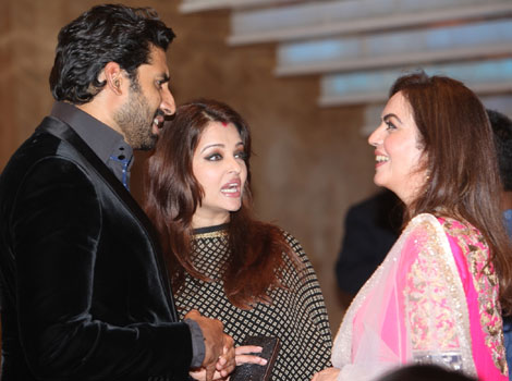 abhishek with wife aishwary at ambani sachin party