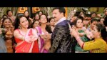 Akshay Kumar & Sonakshi performing in chamak challo