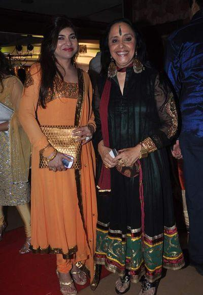alka-yagnik-and-ila-during-bappa-lahiri-sangeet-ceremony