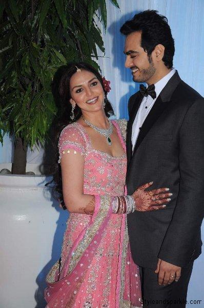 Esha & Bharat admiring each other