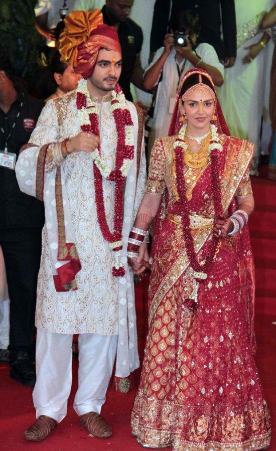 Esha & Bharat look stunning