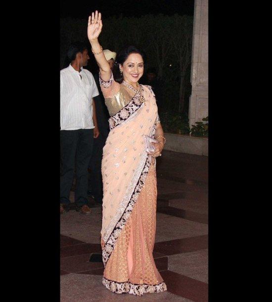 Elegant Hema Malini waving to the crowd