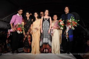 manish-malhotra-shaina-nc-with-celebrities