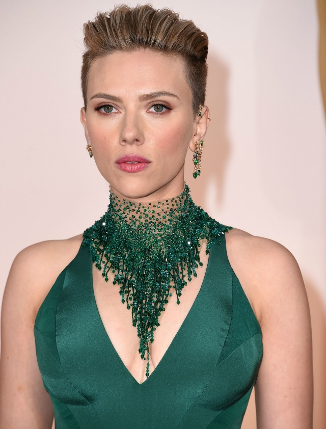 Scarlett-Johansson-2015-Academy-Awards-red-carpet-best-hair-and-makeup