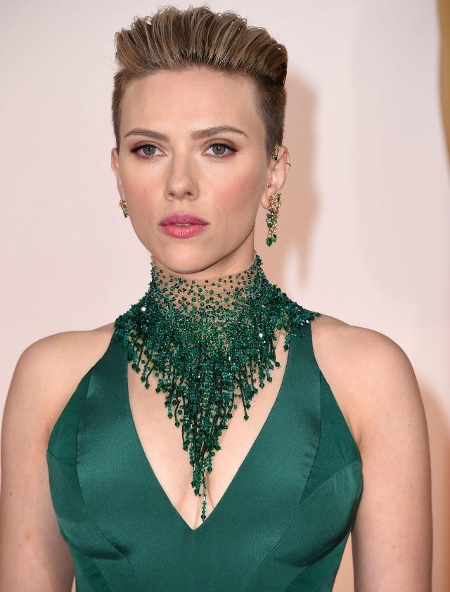 Scarlett-Johansson-2015-Academy-Awards-red-carpet-best-hair-and-makeup