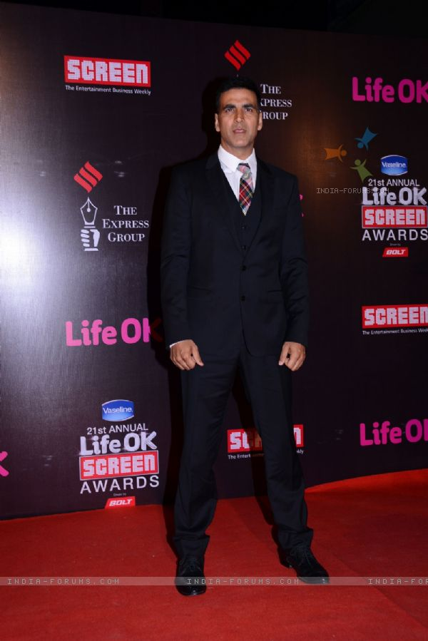Akshay Kumar in Life Ok Screen Awards 2015