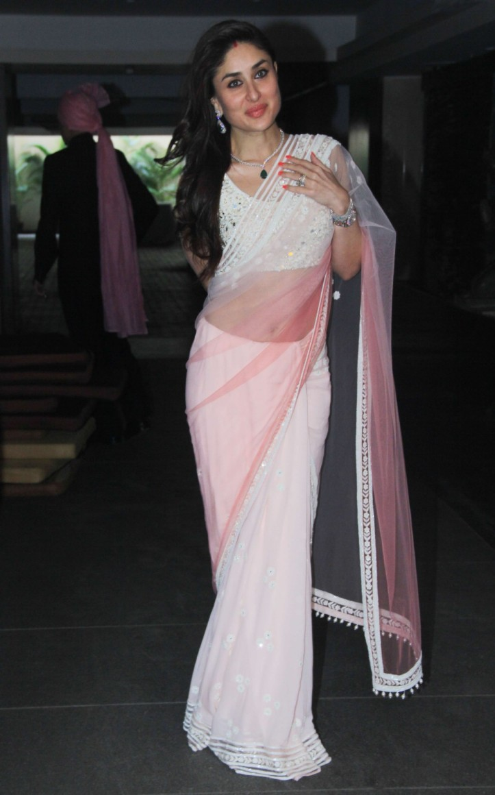 Kareena Kapoor Khan in Navel saree