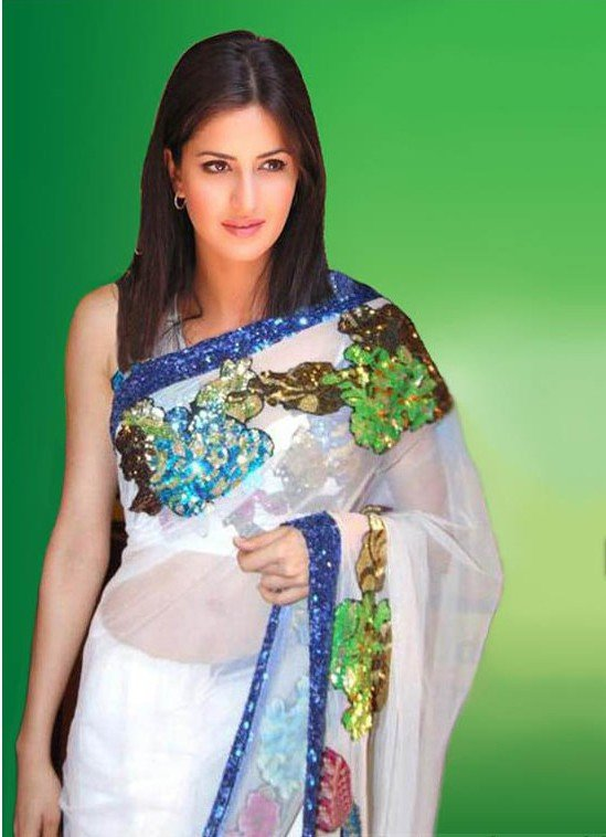 Katrina Kaif in Navel saree