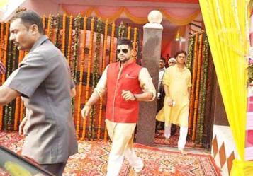 raina kurta with red jacket