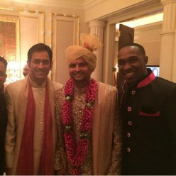 raina with csk teamate