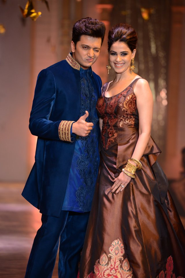 genelia-dsouza-in-gehna-jewellers-1