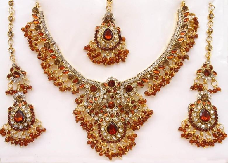 latest-trends-of-kundan-jewellery-designs-for-women-4