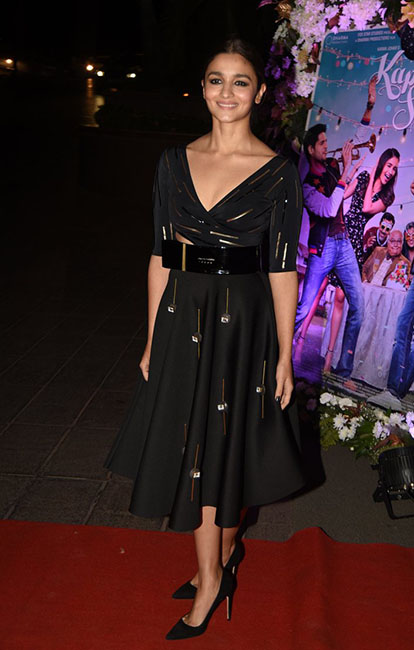 4-alia-bhatt-in-shivan-narresh