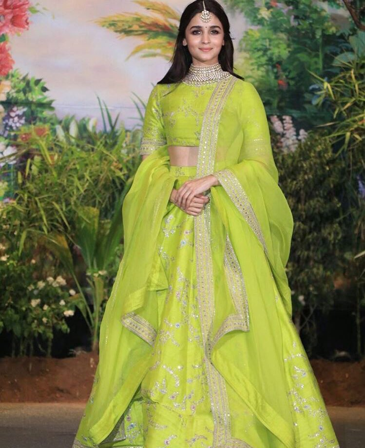 Alia's look for Sonam Kapoor's reception in bright green