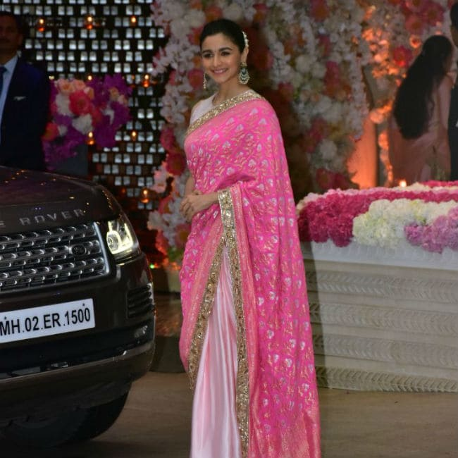 Alia in pink and white saree.